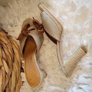Salvatore ferragamo bow sandals